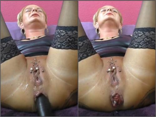 Prolapse Porn – German wife with piercing labia enjoy long dildo in her prolapse anal