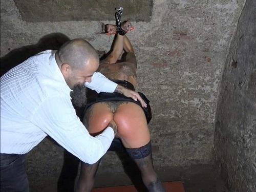 Bondage – Amateur bondage porn Lady-Isabell666 during fisting
