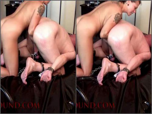 Amateur Femdom – Again amateur elbow anal fisting female domination to bald slave