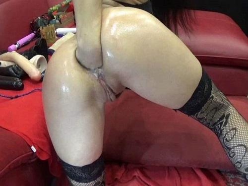 Gaping Anal – Perverted hungarian pornstar BIackangel enjoy deep fisting solo
