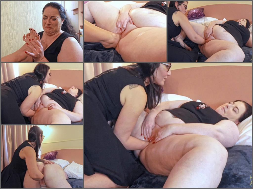 MissHoneyAnalverkehr pussy punishment,MissHoneyAnalverkehr pussy fisting,footing sex,footsex porn,girl gets fisted,bbw fisting video,ruined pussy,foot fetish,deep fisting video