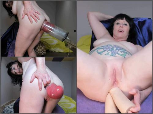 Close Up – Tattooed MILF stretched monster size anal prolapse pump close-up – Premium user Request
