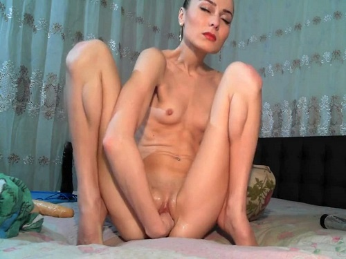 Pussy Fisting – Russian extremely skinny girl fisted her anal and narrow pussy