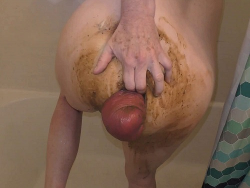 Smearing Scat – Big ass MILF pornstar fisted her shitting huge anal prolapse