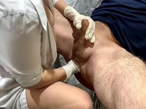 Amateur – Busty MILF Strapovskaya anal fisting domination to peeing with husband